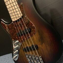 Kiesel Zeus Zm8 左利きギタリストのあれこれ 金子 レフティ 裕亮 の投稿 ファンティア Fantia