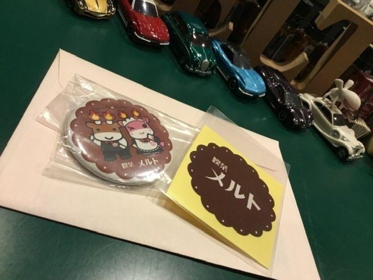 メルトロゴシール&コラボ缶バッジ