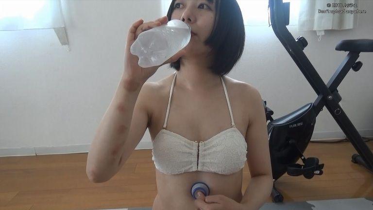 27歳 みのりしょこさんの胃腸音集(水着Ver)Vol.2