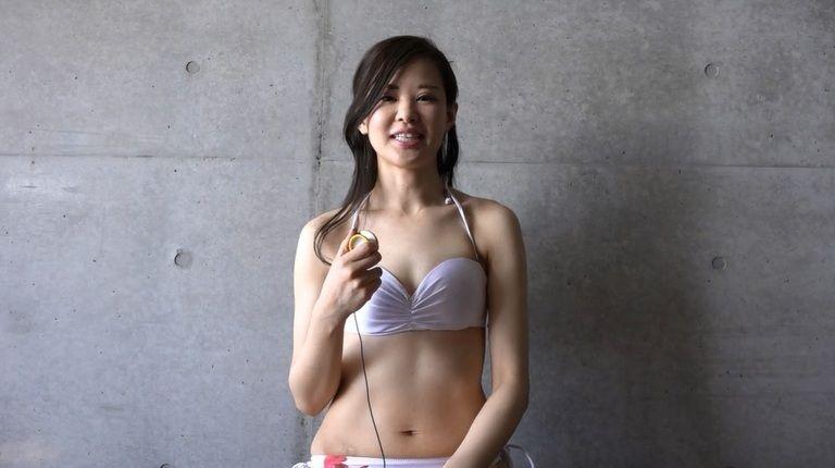 26歳 春月 英未莉さんの心音集(水着Ver)Vol.1