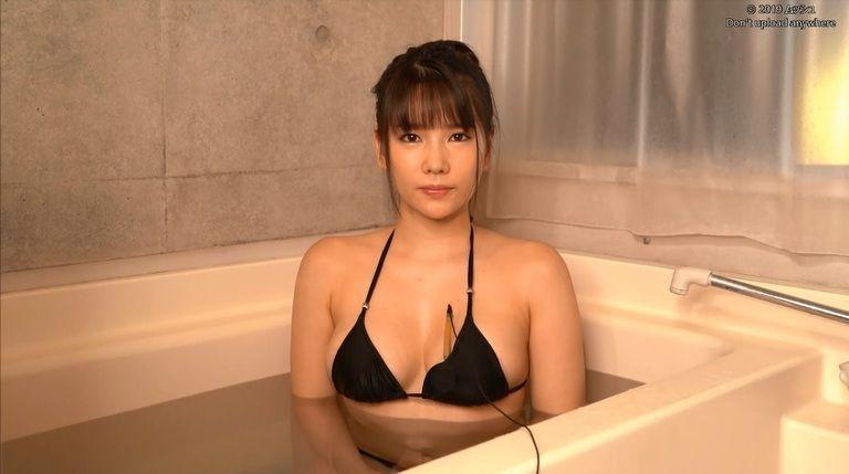 26歳 新垣優香さんの心音集(水着Ver)Vol.3