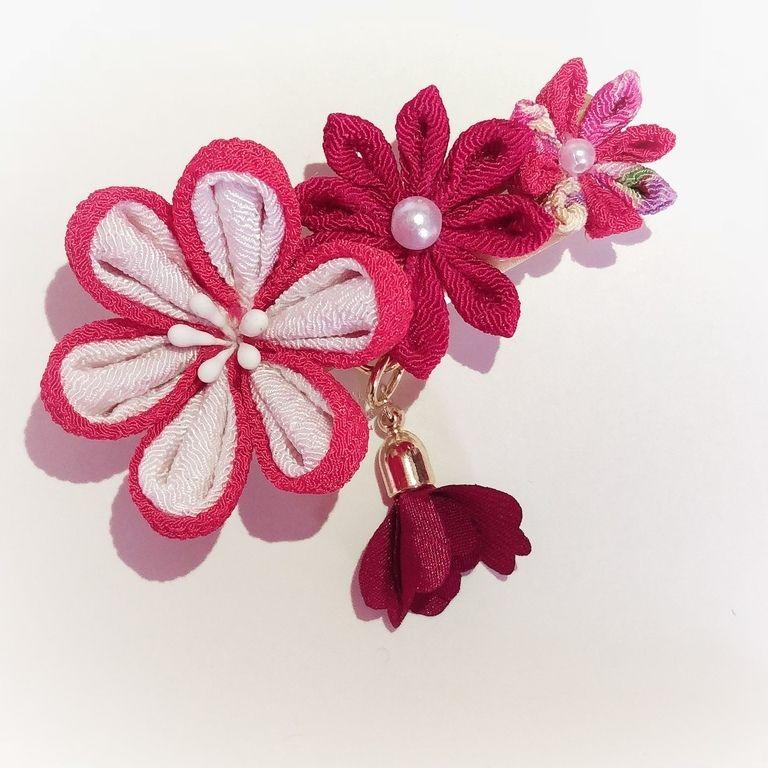 花のつまみ細工髪飾り