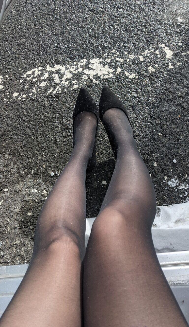 秘蔵写公開❤️雪国出張⛄️黒スト&パンプス写真動画セット