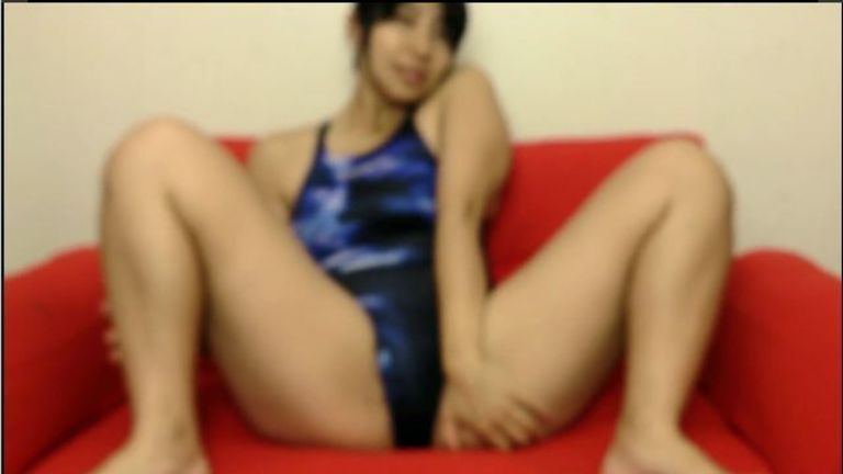 【HD動画】SPEEDO水着を着て開脚