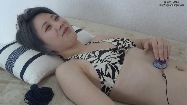 22歳 佐藤かなさんの胃腸音集(水着Ver)Vol.1