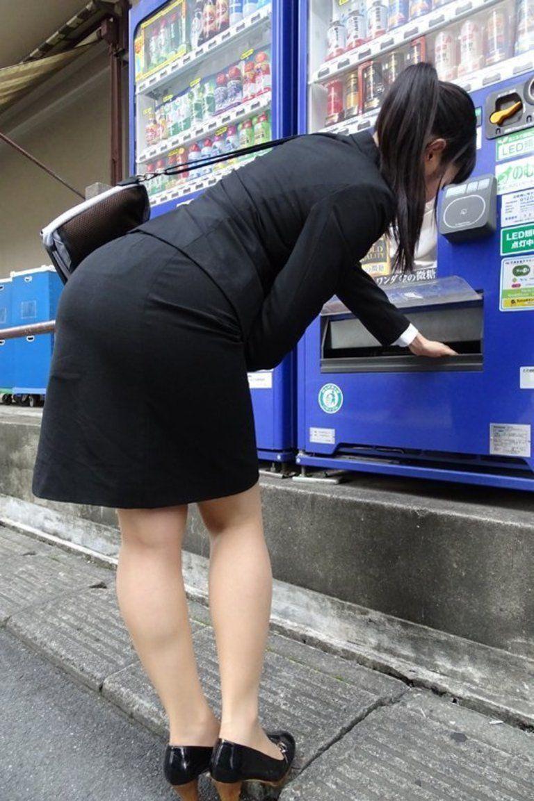 【DL版】ももちの タイトスカートしゃがみ 尻ろむ13