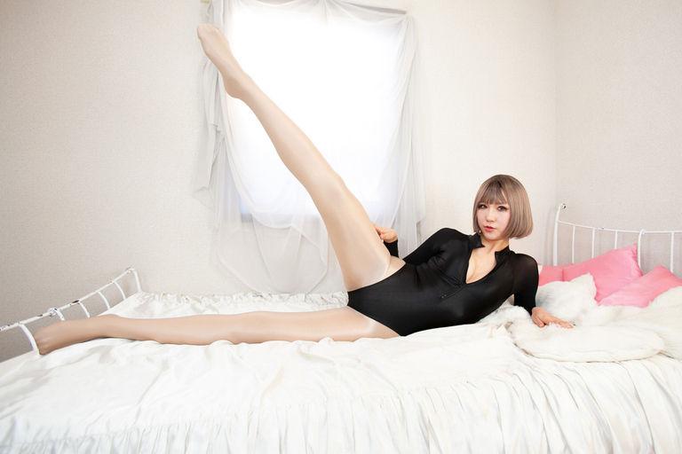 NYLOHOLIC 2 -pantyhose power-
