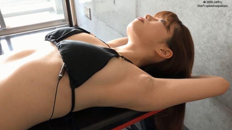 26歳 春奈芽衣さんの心音集(水着Ver)Vol.2