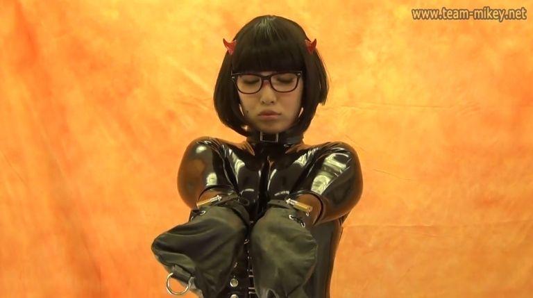 コスプレイヤー OMI化郎ギブソンさん(OMI-07)