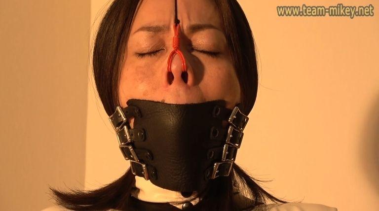 早川麻美 椅子拘束 連続猿轡&鼻フック責め(ASAMI_HAYAKAWA_B_3-2)