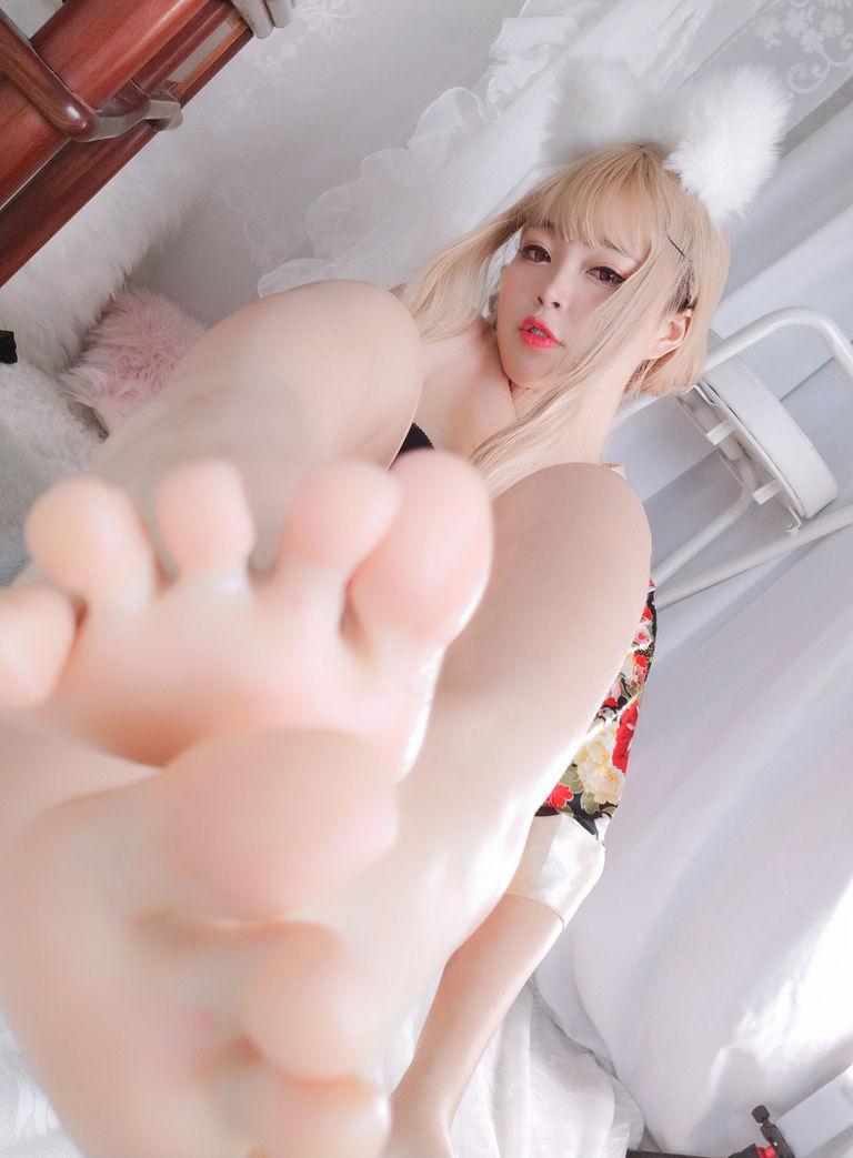 白烨烨 狐の彼女自撮写真集Vol.2 和服ver (動画入り)