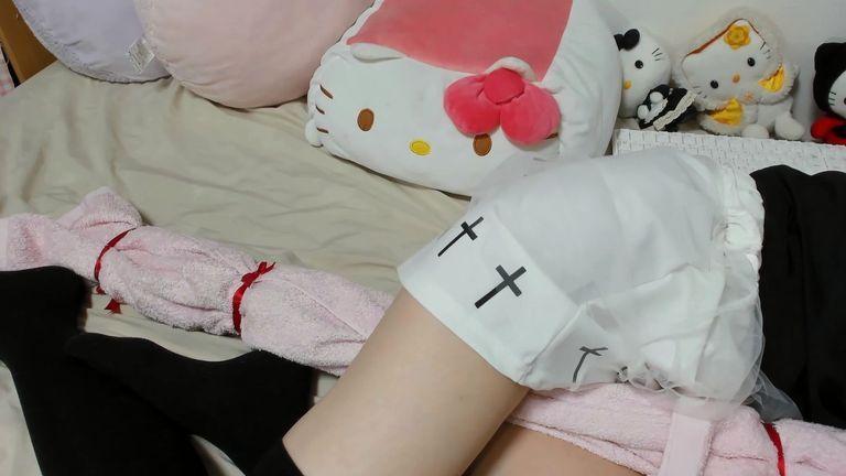 【メンバー限定】雑談&リクエストASMR♥黒×白の十字架が可愛いバンギャ服☆Part5【Dec. 27, 2020】